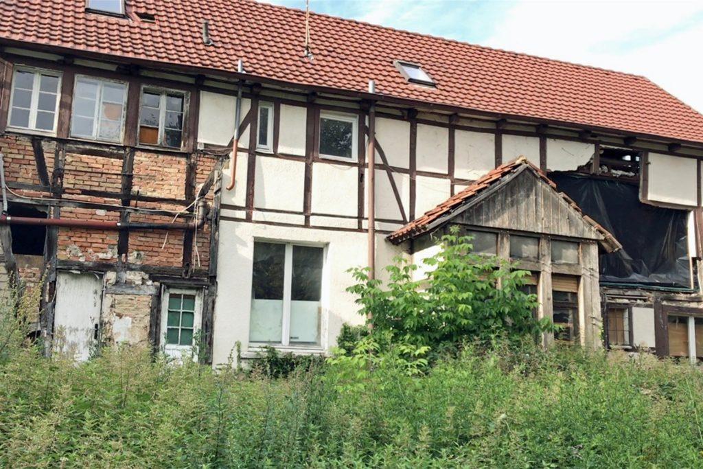 Einer der drei Orte, die Striepens sich für unser Kurzinterview ausgesucht hat: das vergammelte Haus an der Südmauer.