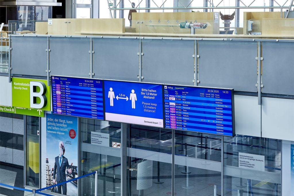 Auf dem Flugplan stehen die geplanten Starts und Landungen der Linienflieger. Privatmaschinen, Frachtflüge und Krankentransporte stehen dort nicht.
