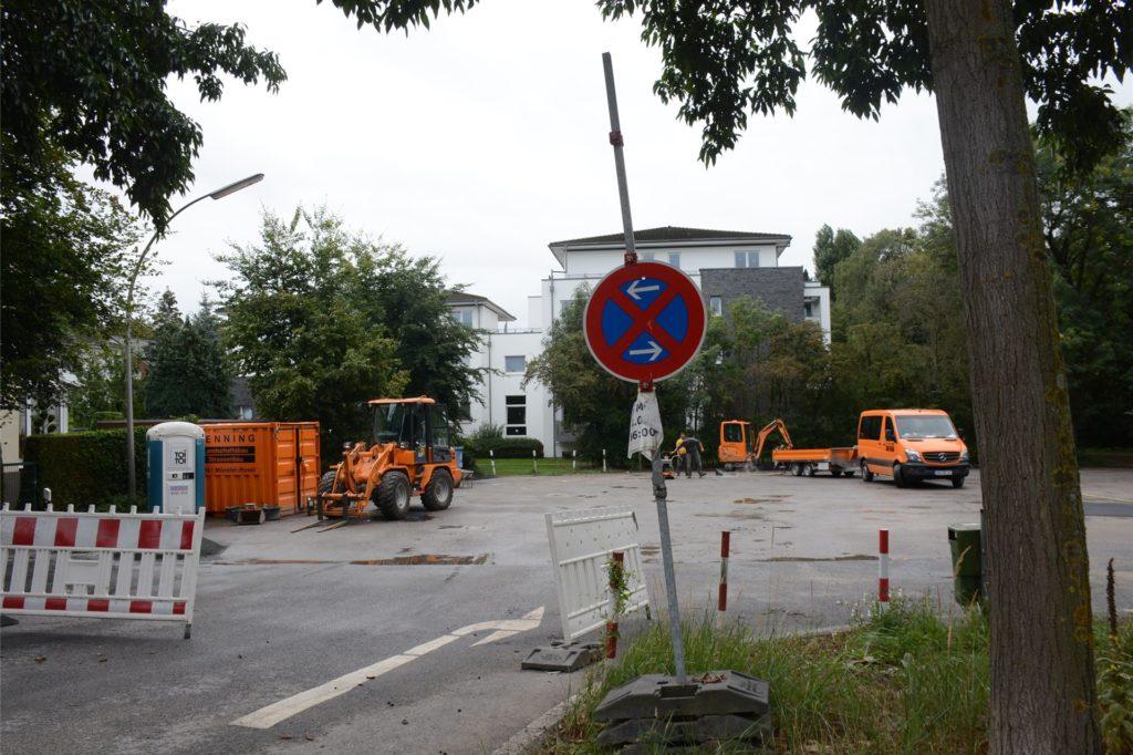 Der Parkplatz an der Klosterstraße wurde als Baulager genutzt. Er wird jetzt von der Baufirma Benning hergerichtet.