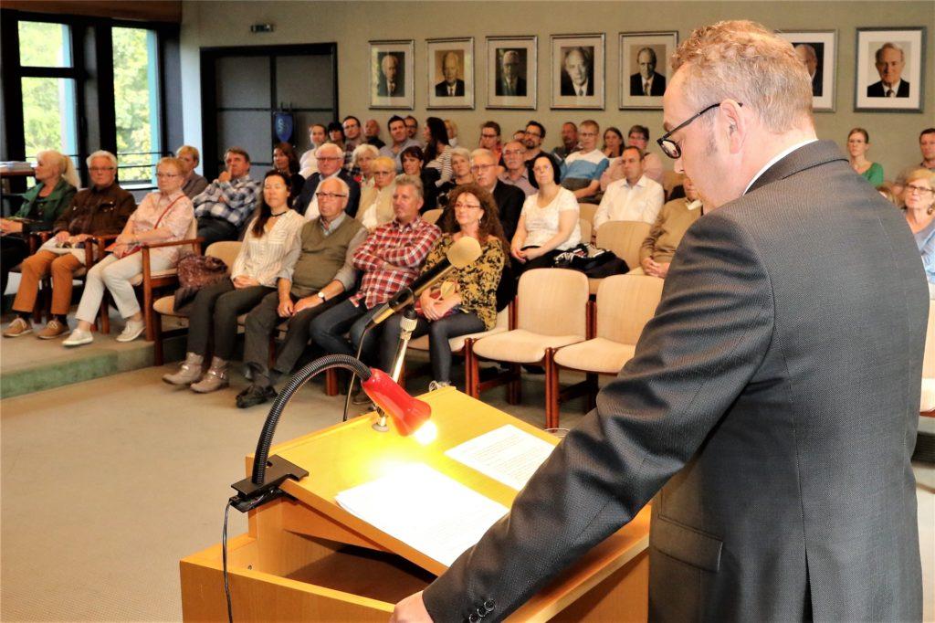 Der Ratssaal im Neuen Rathaus, hier ein Archivbild vom Neubürgerempfang mit Bürgermeister Bodo Klimpel.