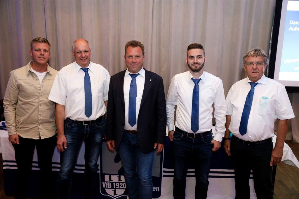 Der neue VfB-Vorstand: (v.L) Bastian Averesch, Marko Gröbel, Georg Garz, Benedikt Schnieder und Ulrich Sabellek.