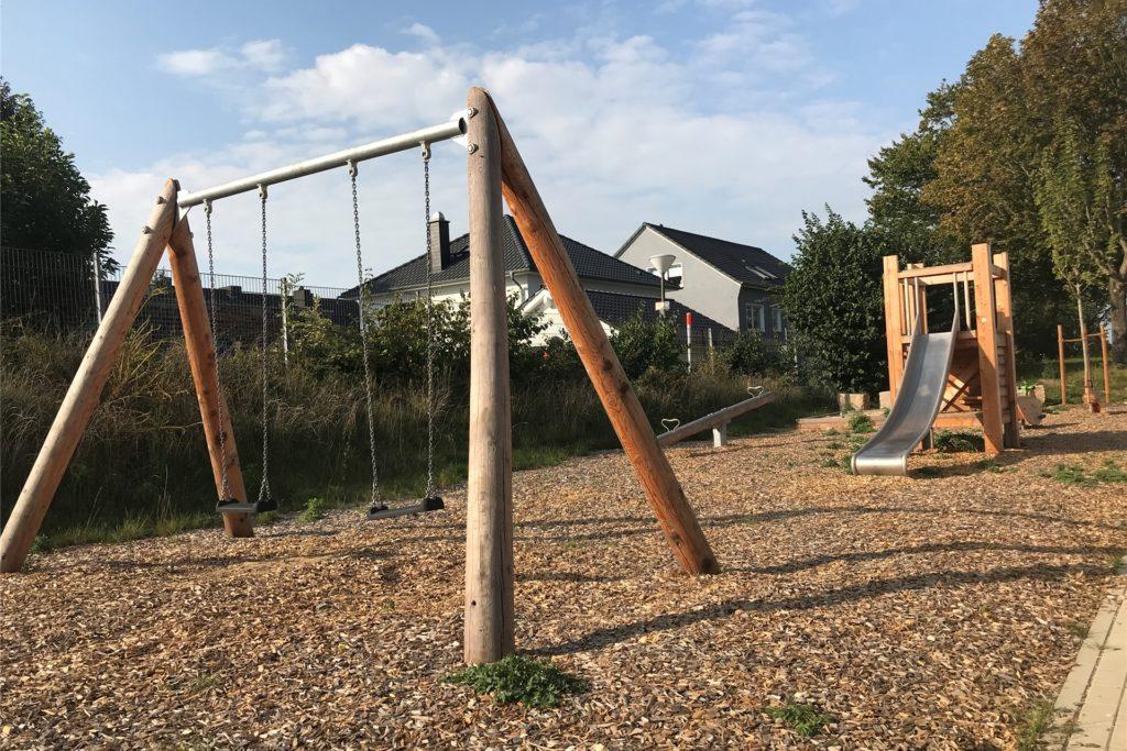 Noch ist er verwaist, aber bald werden hier sicher Kinder sein: der Spielplatz, der zum Wohnkomplex an der Holtestraße gehört.