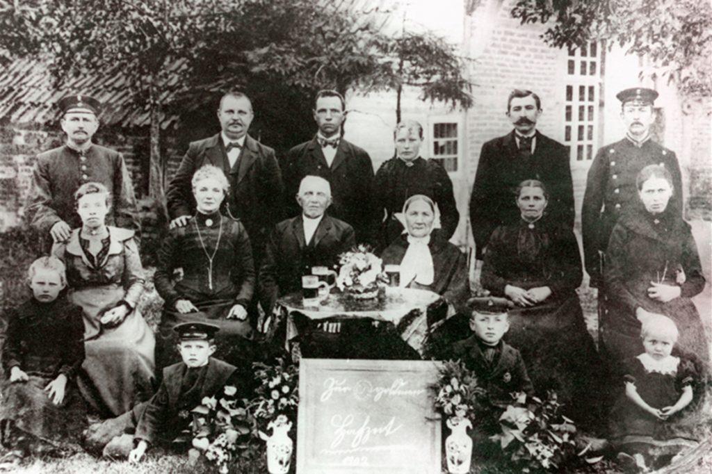 Die Goldhochzeit der Urgroßeltern im Jahr 1902