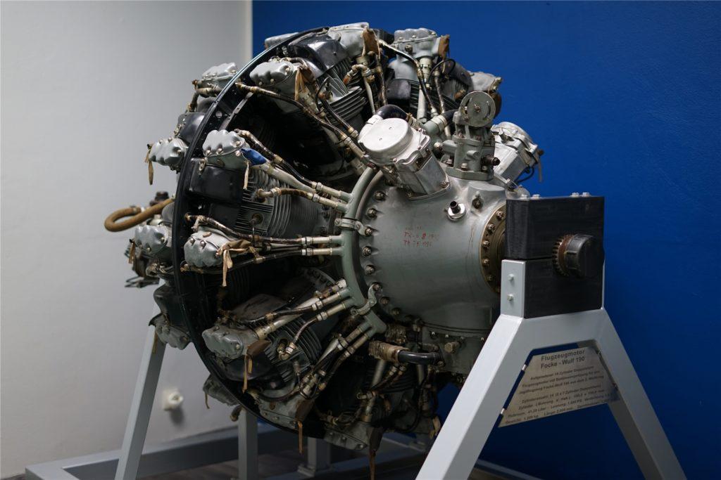 Mit einem Gewicht von 1200 Kilo und 1800 PS Leistung ist der 14-Zylinder-Doppelsternmotor einer alten Focke-Wulf 190 ein wahrer Blickfang.