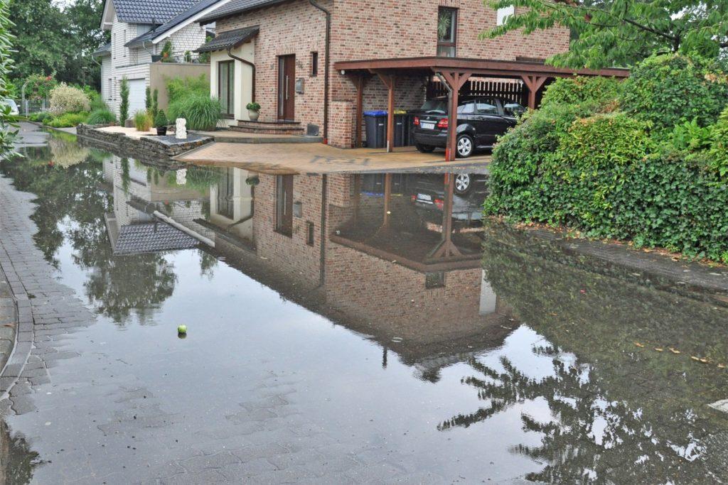 Ganze Straßen waren 2013 in Olfen überschwemmt.