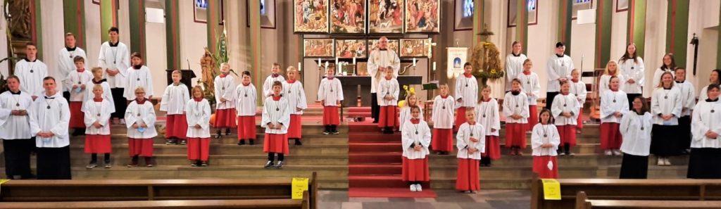 29 Jungen und Mädchen sind in den Dienst als Messdiener in der Pfarrei St. Georg in Vreden aufgenommen worden.