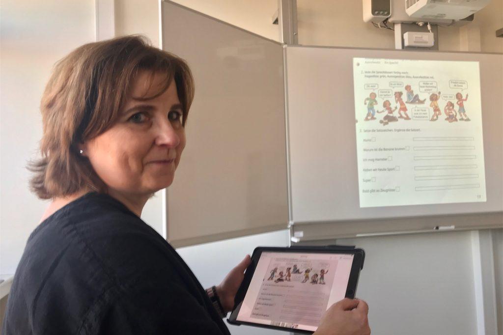 """Stefanie Wiegel ist Klassenlehrerin einer """"digitalen Pilotklasse"""