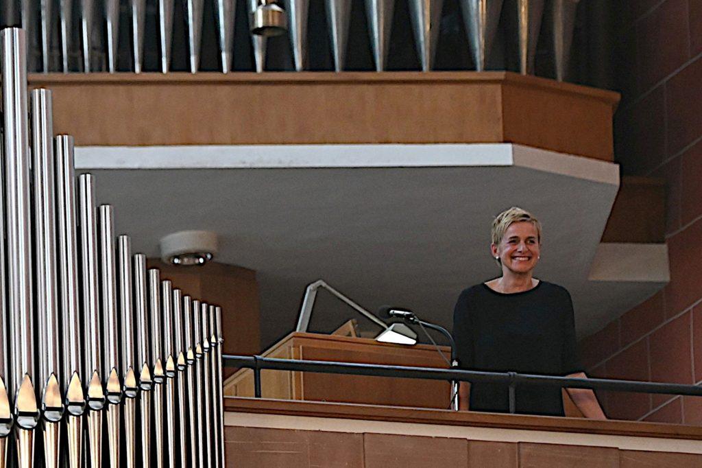Hermia Schlichtmann steht die Freude über ihre neue Stelle in Frankfurt ins Gesicht geschrieben. Für sie geht so ein Lebenstraum in Erfüllung.