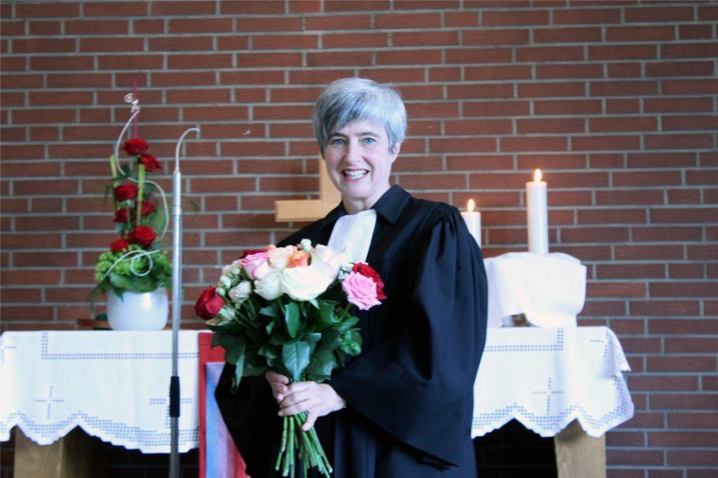 Bianca Monzel, Pfarrerin der evangelischen Kirchengemeinde Lünen, erklärt die Bedeutung des Reformationstages.