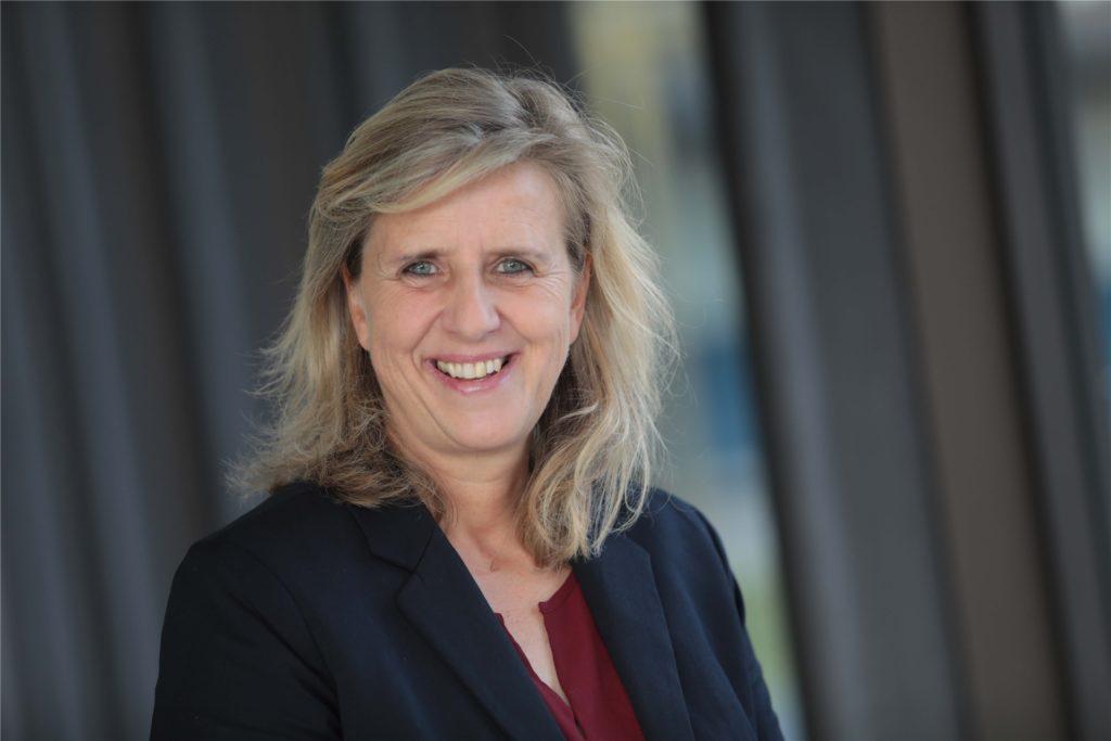 Castrop-Rauxels Sozialdezernentin Regina Kleff sagt, dass die Digitalisierung an Schulen Fahrt aufgenommen hat.