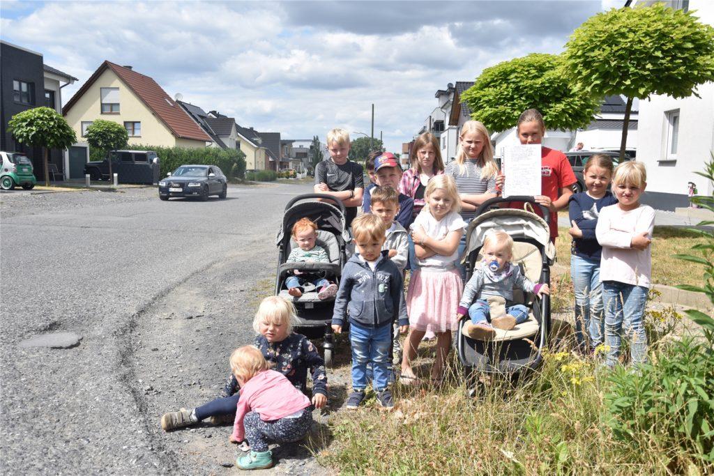 """""""Es gibt keinen Bürgersteig. Das ist sehr gefährlich, besonders für uns"""", schrieben die Kinder der Brechtener Heide in einem Brief an OB Ullrich Sierau im Oktober 2018."""