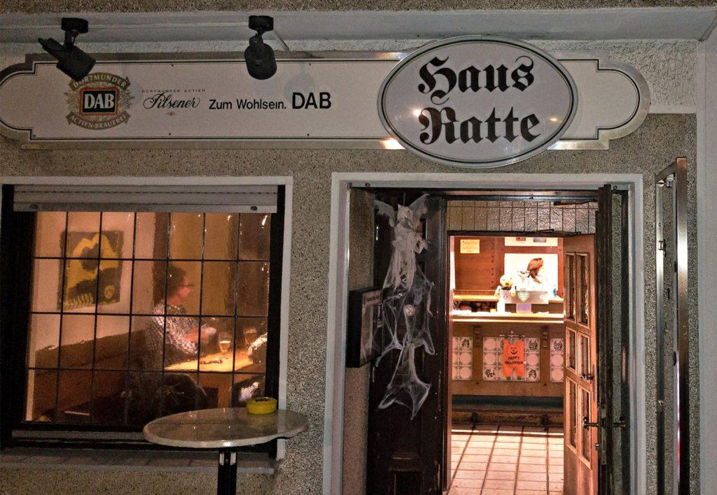 Am Sonntagabend gehen bei Haus Ratte in Frohlinde die Lichter wieder einmal aus - zumindest für die kommenden vier Wochen.