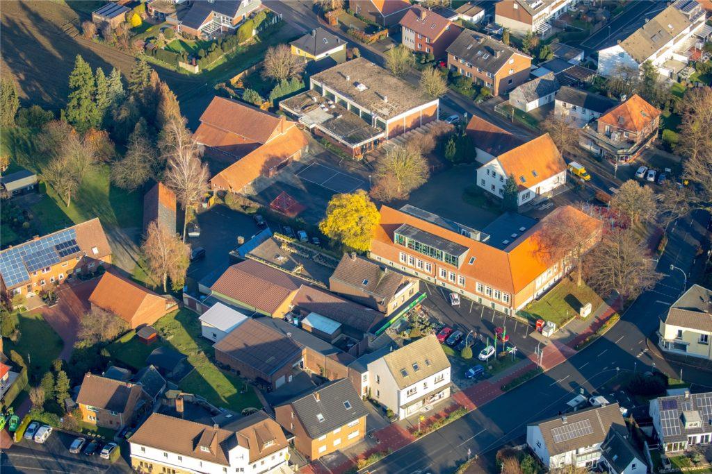 Eine Lehrerin der Lambertusschule in Lippramsdorf wurde positiv getestet.