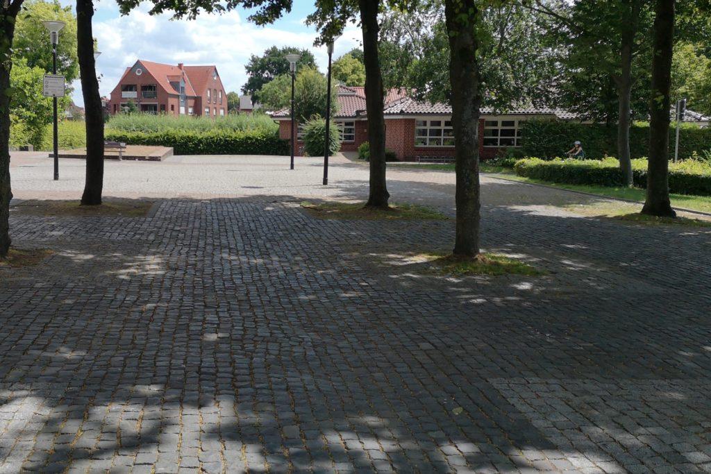 Trotz der Bäume: Den Katharinenplatz stufen die Planer momentan als unattraktiv ein.