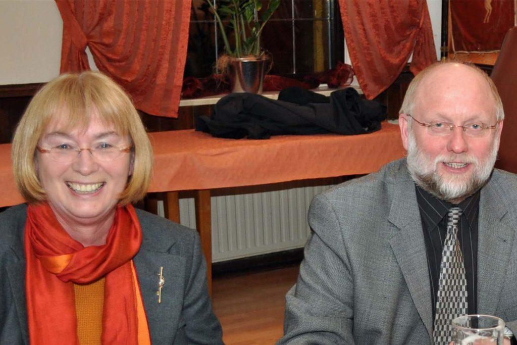 Ein Bild aus dem Jahr 2009: Maria Lipke mit Hubert Seier. Damals war er Bürgermeisterkandidat. Nun übernimmt er den Fraktionsvorsitz von Maria Lipke.