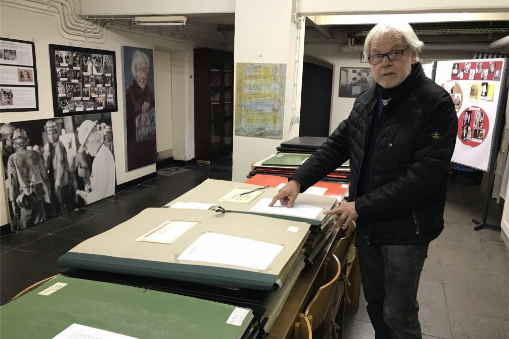 Fast 3000 Zeichnungen, Reliefarbeiten, andere Kunstwerke und Dokumente sind inzwischen verpackt und einsortiert und werden an den Standort des neuen Tisa-Archivs auf das Zechengelände umziehen: Lambert Lütkenhorst, Vorsitzender der Tisa-Stiftung.