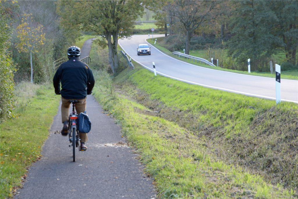 Einen Abschnitt des Wanderwegs W6 müssen sich Radfahrer und Fußgänger teilen. Ein kleiner Makel auf dem längsten Werner Rundwanderweg.