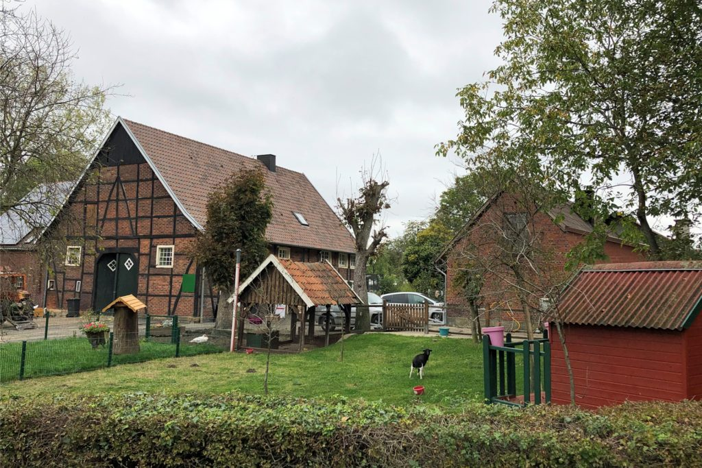 Auf der Hälfte der Strecke des Wanderwegs W9 findet sich der Hofladen Storksberger.
