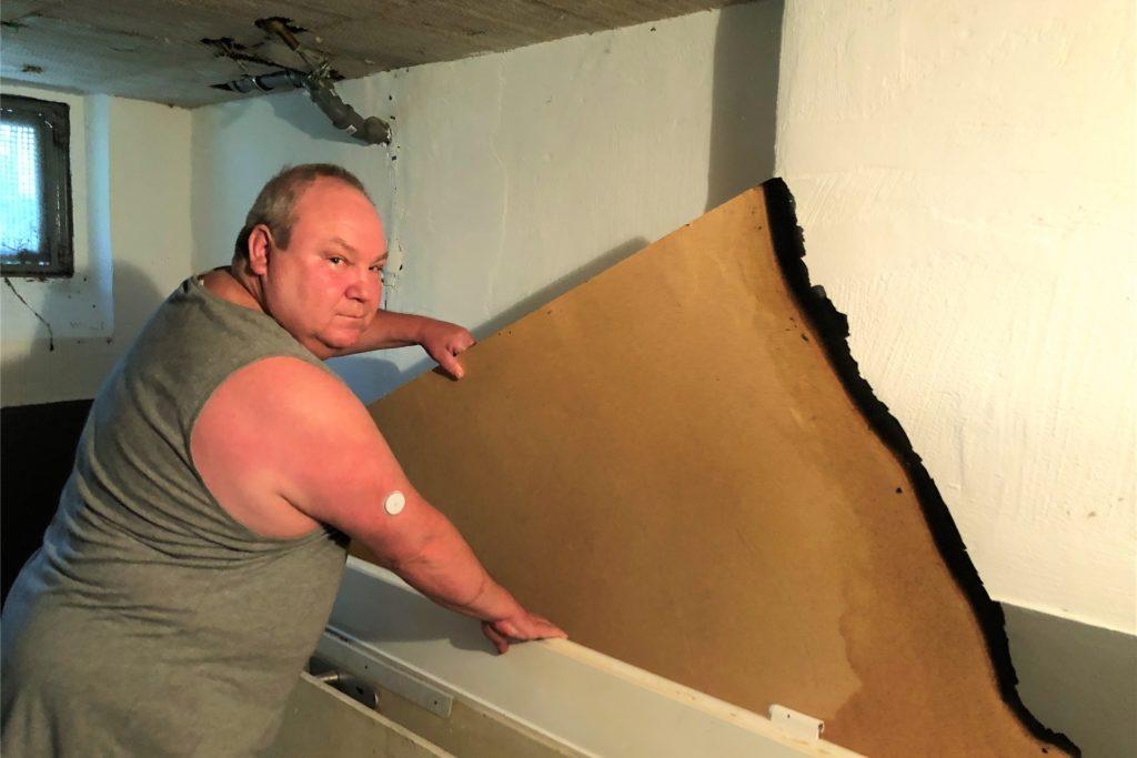 Holm Rajewski konnte in der Nacht auf den 19. August nicht gut schlafen. Für die Bewohner des Hauses in Kley war das ein großes Glück: So bemerkte Rajewski das Feuer im Keller des Hauses und konnte es löschen.