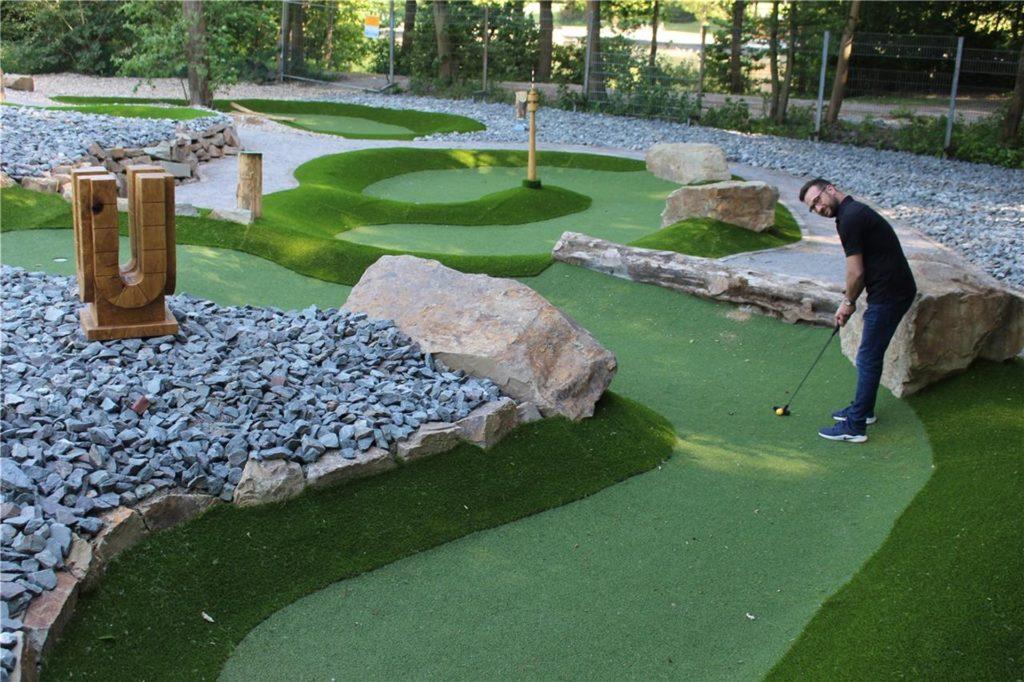 Adventure Golf ist auch im Lockdown erlaubt.