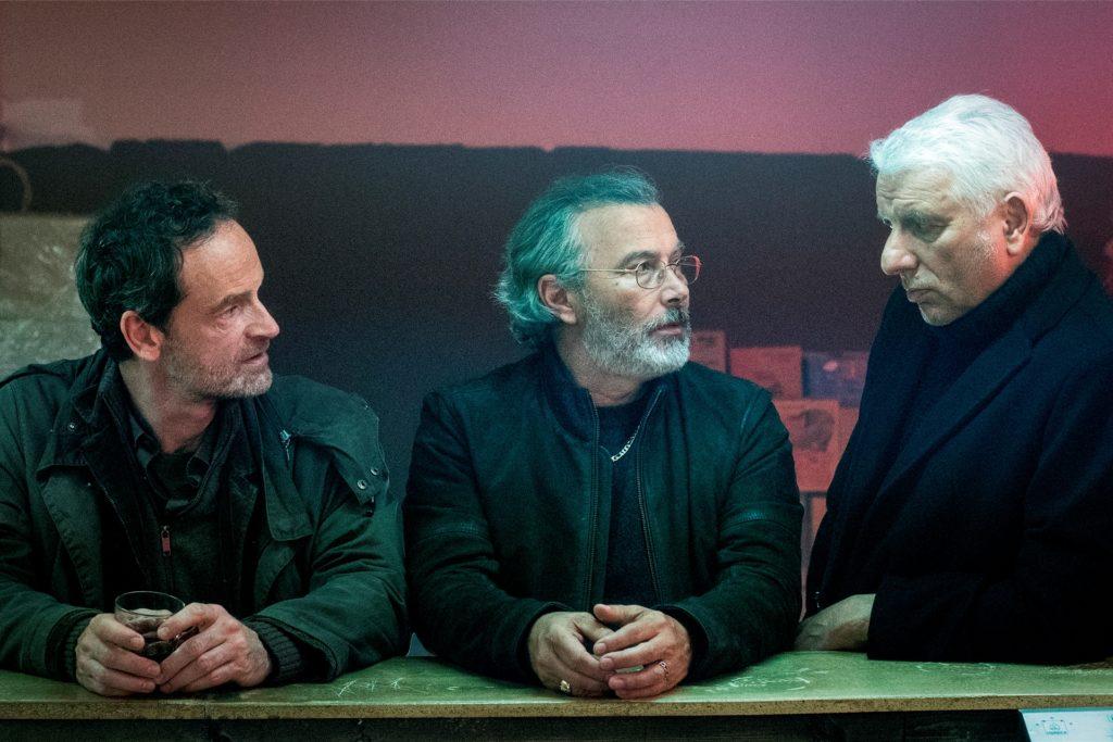 Als die beiden Kriminalhauptkommissare Peter Faber (Jörg Hartmann, links) und Franz Leitmayr (Udo Wachtveitl, rechts) Kontakt zum Mafia-Boss Domenico Palladio (Paolo Sassanelli, Mitte) aufnehmen, prallen zwei verschiedene Ermittlungsansätze aufeinander.