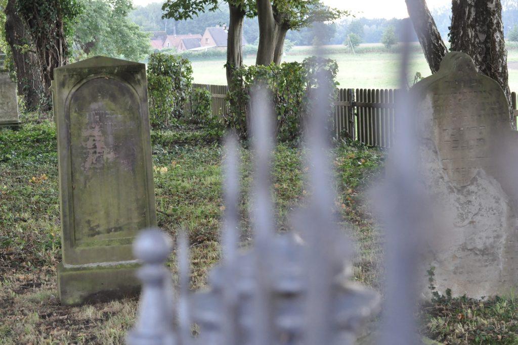 Der Jüdische Friedhof zwischen Bork und Selm ist eine Gedenkstätte und Zeuge für das jüdische Leben in Selm vor dem Nationalsozialismus.
