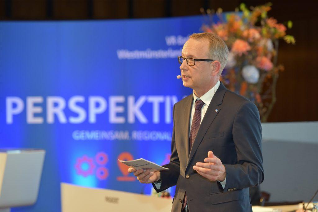 Vorstandsmitglied Matthias Entrup erläuterte den Vertretern die Zahlen des Geschäftsjahres 2019.