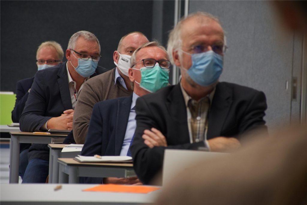 Bei der ersten Sitzung des neuen Rats herrschte Maskenpflicht für alle Teilnehmer.