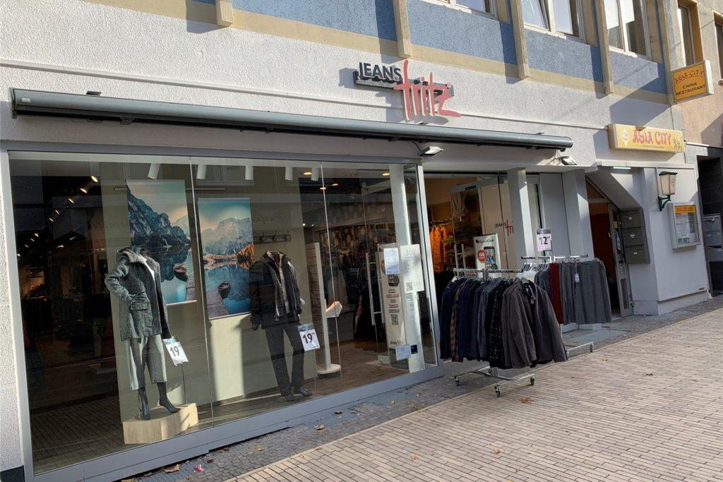 Jeans Fritz entzerrt die Situation am Black Friday durch Black Days ab dem 13. November.