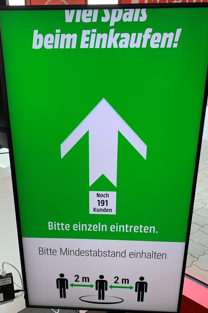 Im MediaMarkt wird auf Einlasskontrollen, elektronische Zähltafel und Hygiene gesetzt: Der Black Friday kann kommen.