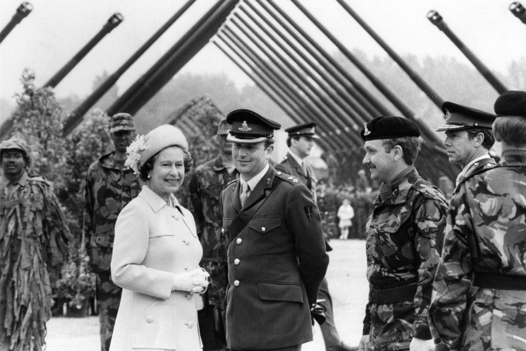 Queen Elisabeth II.  besuchte 1984 die Dortmunder Kaserne und so auch den Golfplatz.