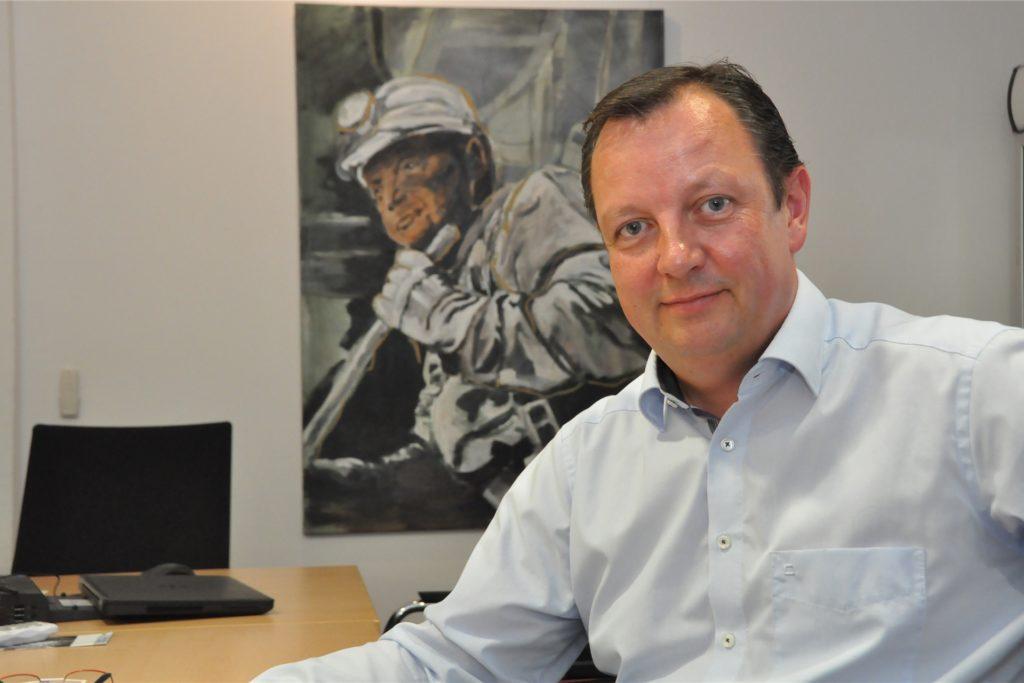 Dr. Johannes Hofnagel klagt gegen Lünens Bürgermeister Jürgen Kleine-Frauns und den Stadtrat.