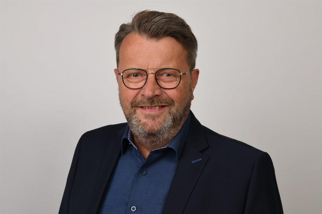 Josef Blömer gründete gemeinsam mit Franz-Wilhelm Frankemölle und Karl-Heinz Flüthmann die Kropp Stahl GmbH