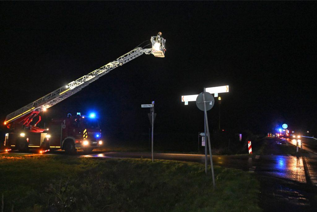 Die Feuerwehr suchte mit Wärmebildkameras nach dem Mann.