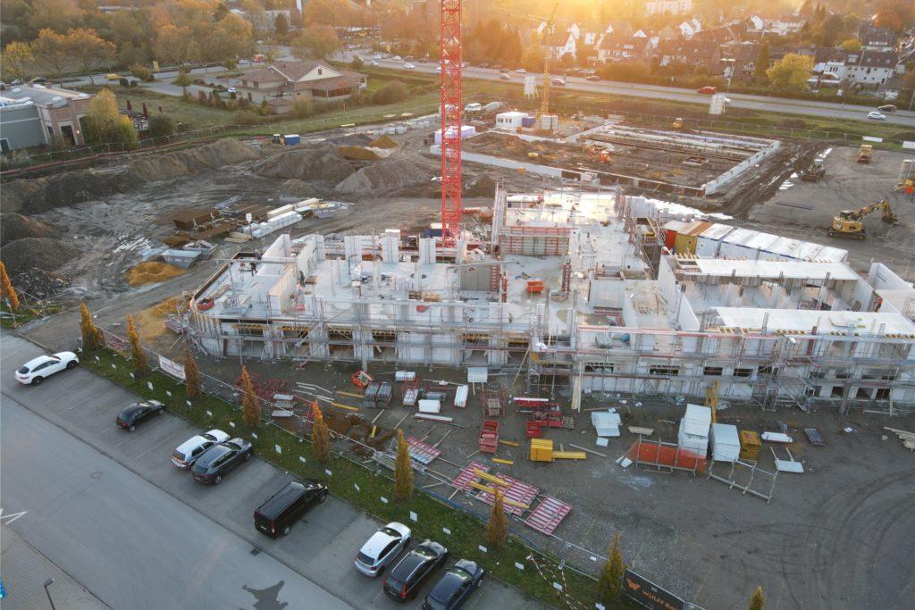Cedrik begleitet mit seiner Drohne unter anderem auch den Bau des neuen Gesundheitscampus am Evangelischen Krankenhaus Castrop-Rauxel.