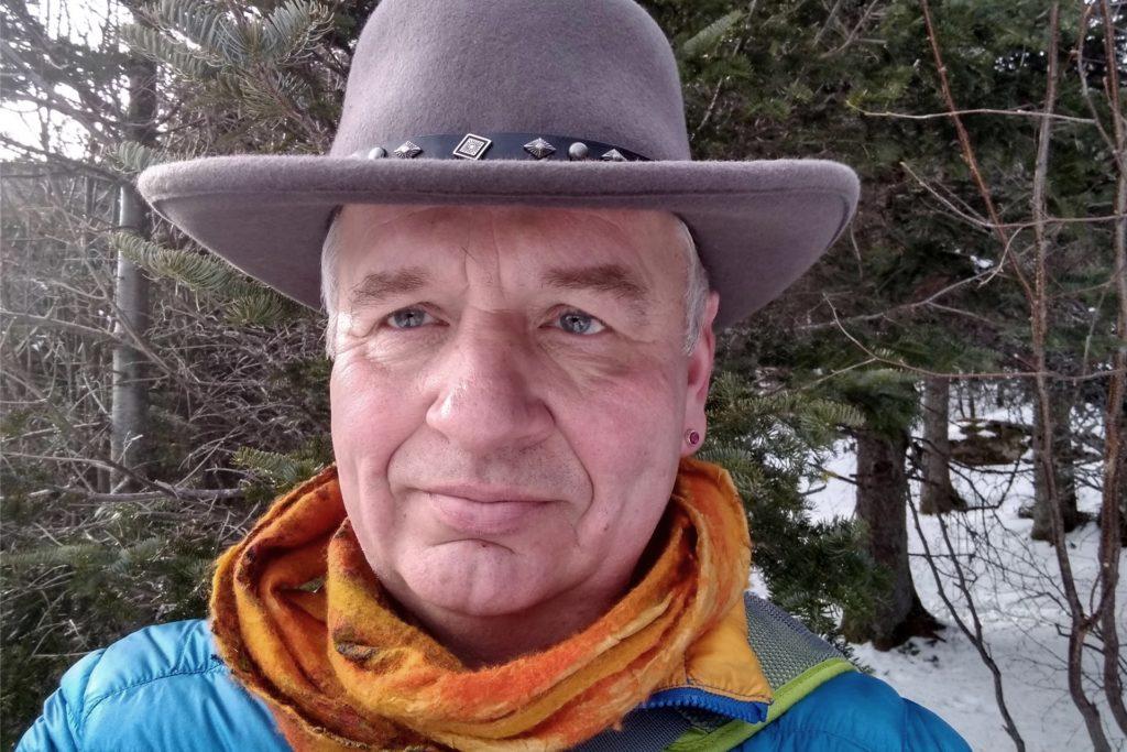 Peter Gresch lebt seit über 30 Jahren in Rhode Island in den USA.