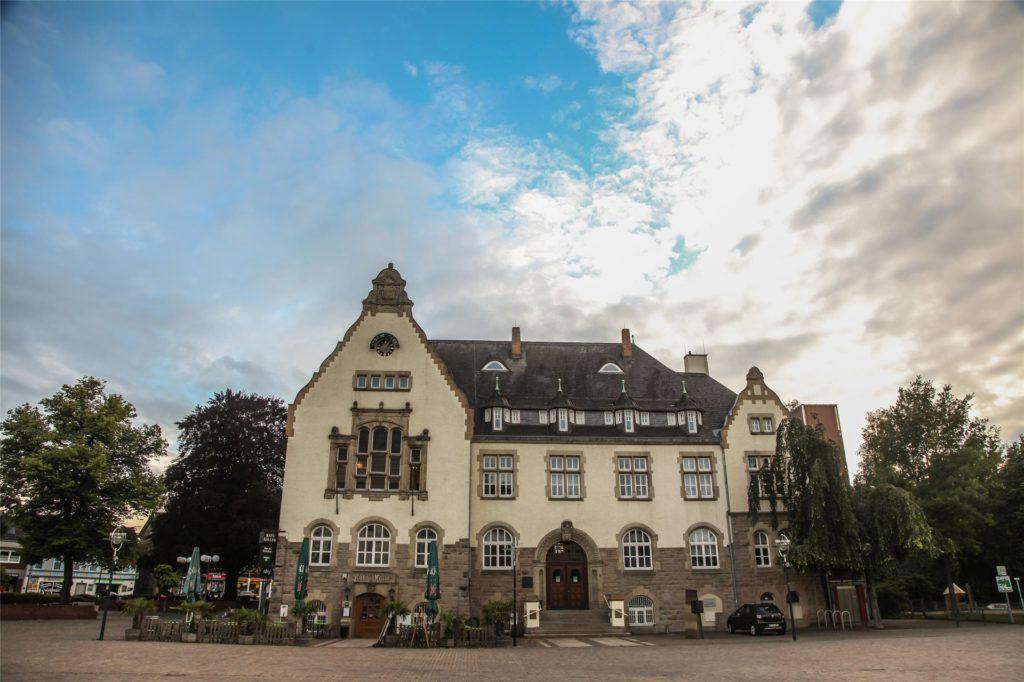 In Aplerbeck gilt die Maskenpflicht im Freien auf dem Marktplatz.