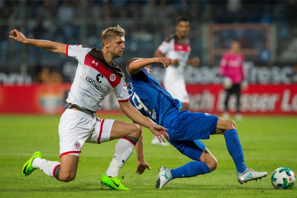 Vor seinem Wechsel zum 1. FC Köln spielte Sobiech bei St. Pauli.