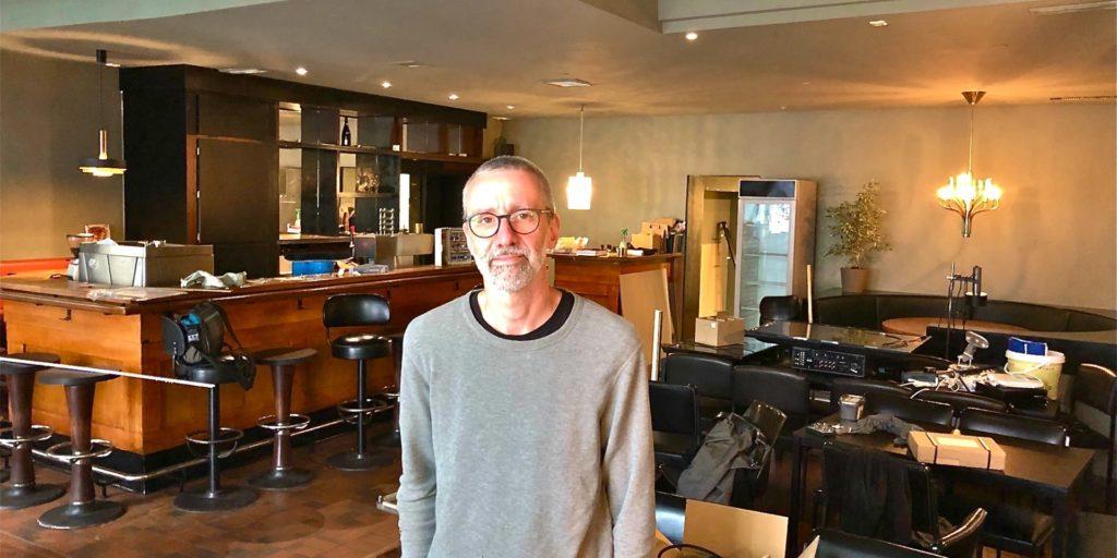 Sissikingkong-Betreiber Dirk Geisler in der neuen Location, als der Umzug noch voll im Gange war.