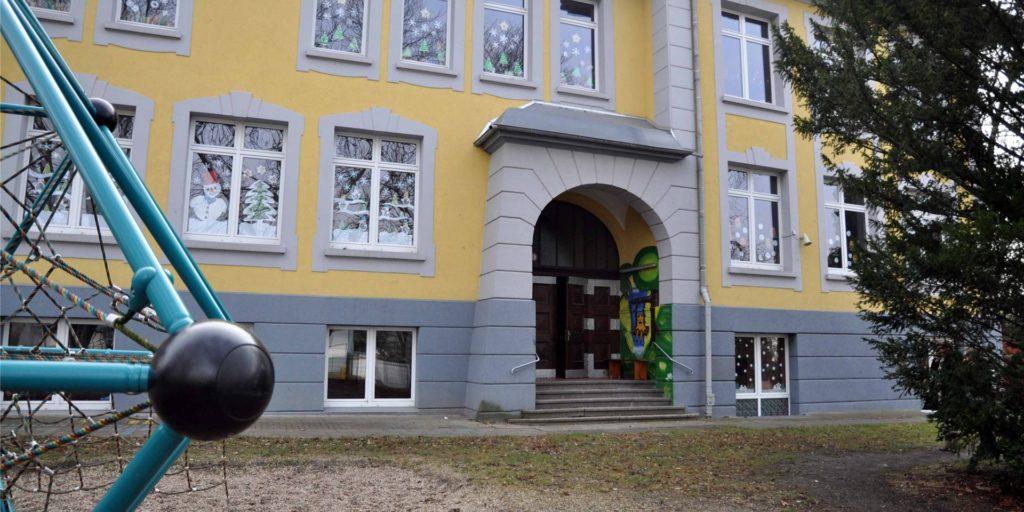 An der Wilhelmschule (im Bild) und an zwei weiteren Castrop-Rauxeler Schulen sind am Freitag (21.11.) Corona-Fälle bekanntgeworden.