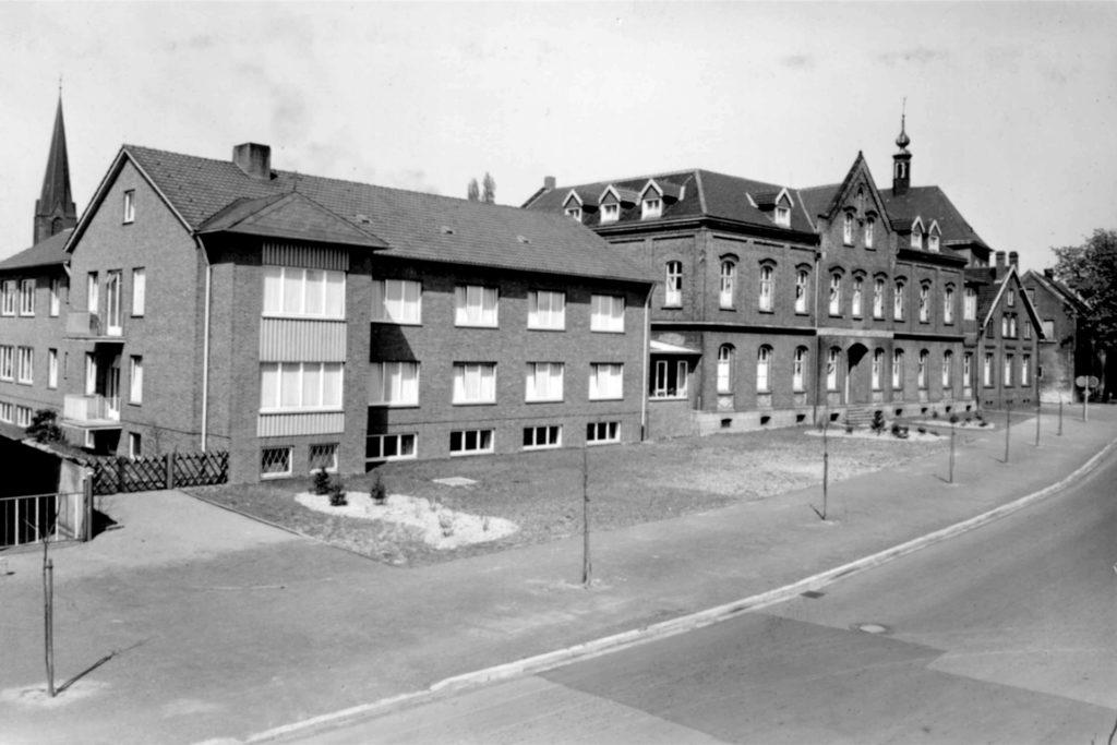 Das alte Kinderheim St. Josef mit Anbau