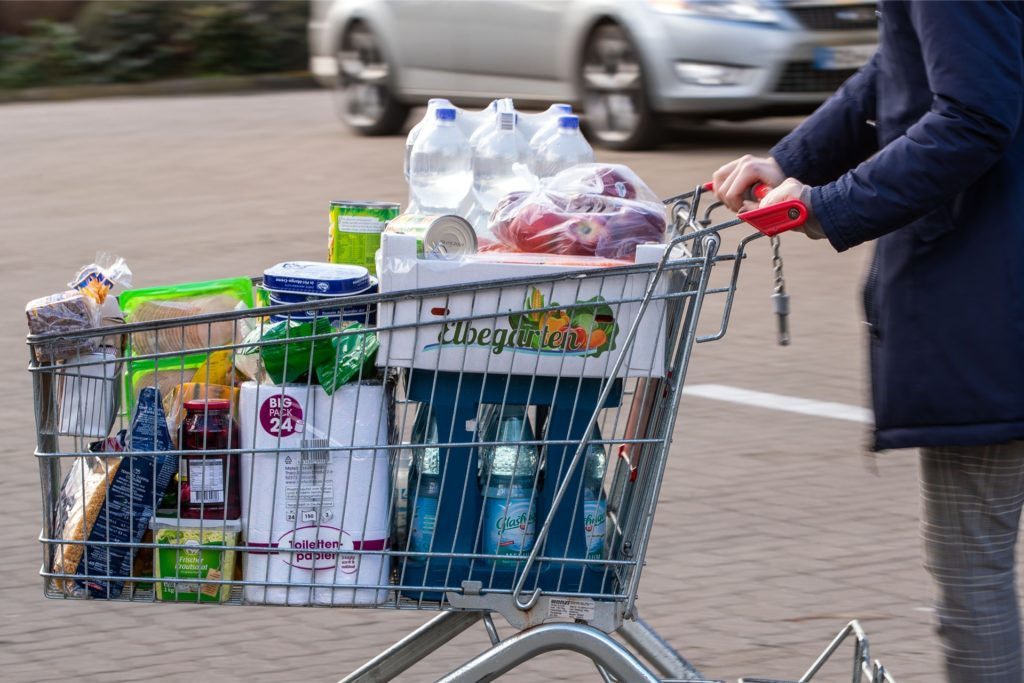 Die Betrüger sind mit ihrer Masche auf Supermarktparkplätzen und an anderen Orten unterwegs.