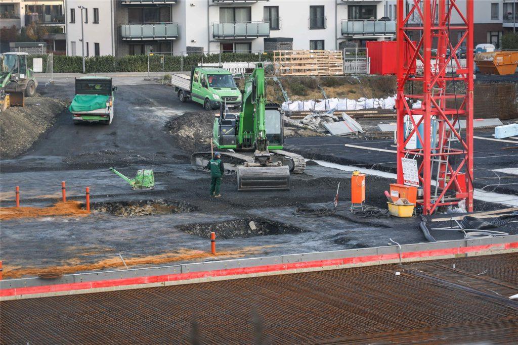 Nahtloser Übergang in den zweiten Bauabschnitt: Auch an der Tiefgarage wird bereits gearbeitet.