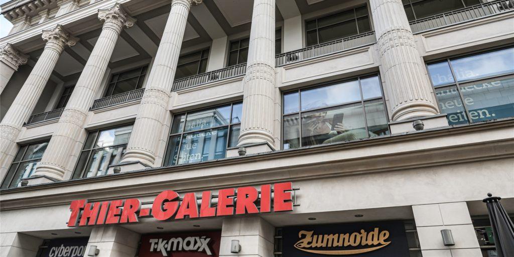 Einige Geschäfte in der Thier-Galerie in Dortmund sind größer als 800 Quadratmeter und dürfen ab Dezember nur noch die Hälfte der Kunden gleichzeitig in den Laden lassen.
