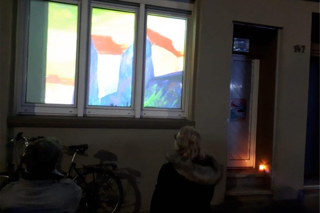 Lichtinstallation von Anne Jannick, zu sehen im Atelier Westend, Rheinische Str.147