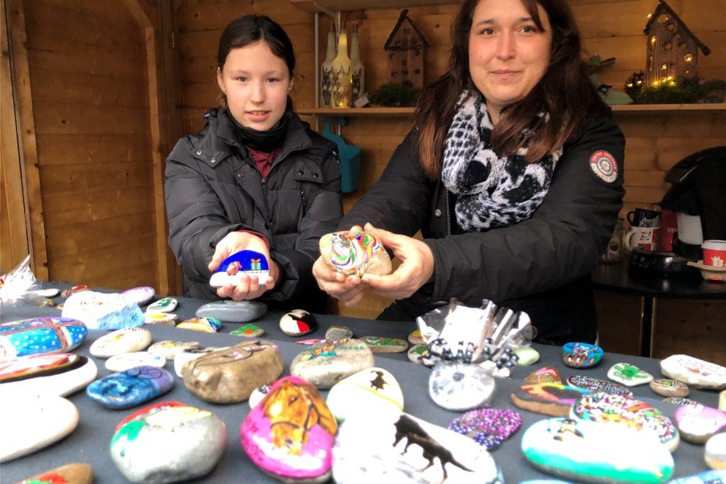 Romy und ihre Mutter Tina Gouw freuen sich über den großen Zuspruch, den die Spendenaktion