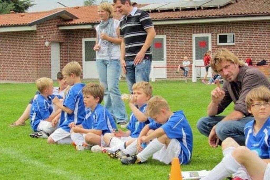 Jonathan Wensing (3.v.l.) zu seiner Anfangszeit beim FC Oldenburg Ahaus.