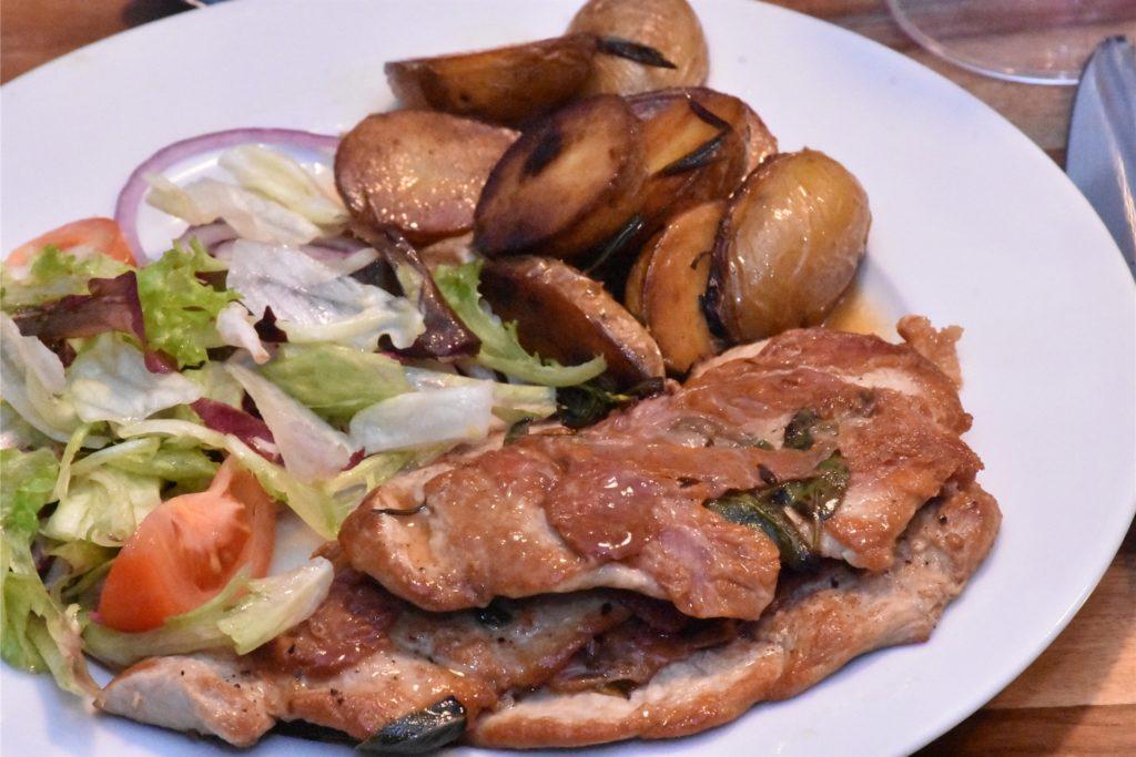 Saltimbocca alla Romana, dieses Mal vom Schwein: Eine günstigere, aber gute Alternative zum italienischen Original.
