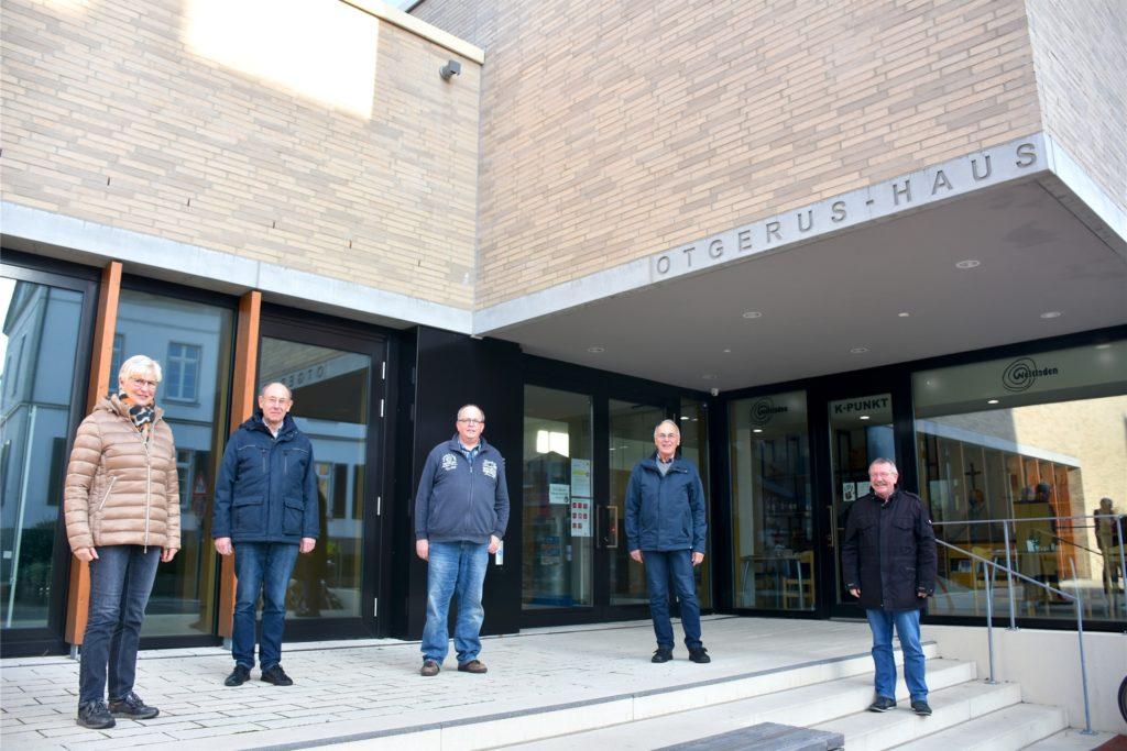 Marianne Heming, Alfred Kramer, Dieter Boll, Heinz Segbers und Otger Möllers (v.l.) vom Vorstand der Kolpingsfamilie Stadtlohn freuen sich auf die Feier zum 125-jährigen Bestehen – auch wenn die natürlich einmal ganz anders geplant war.