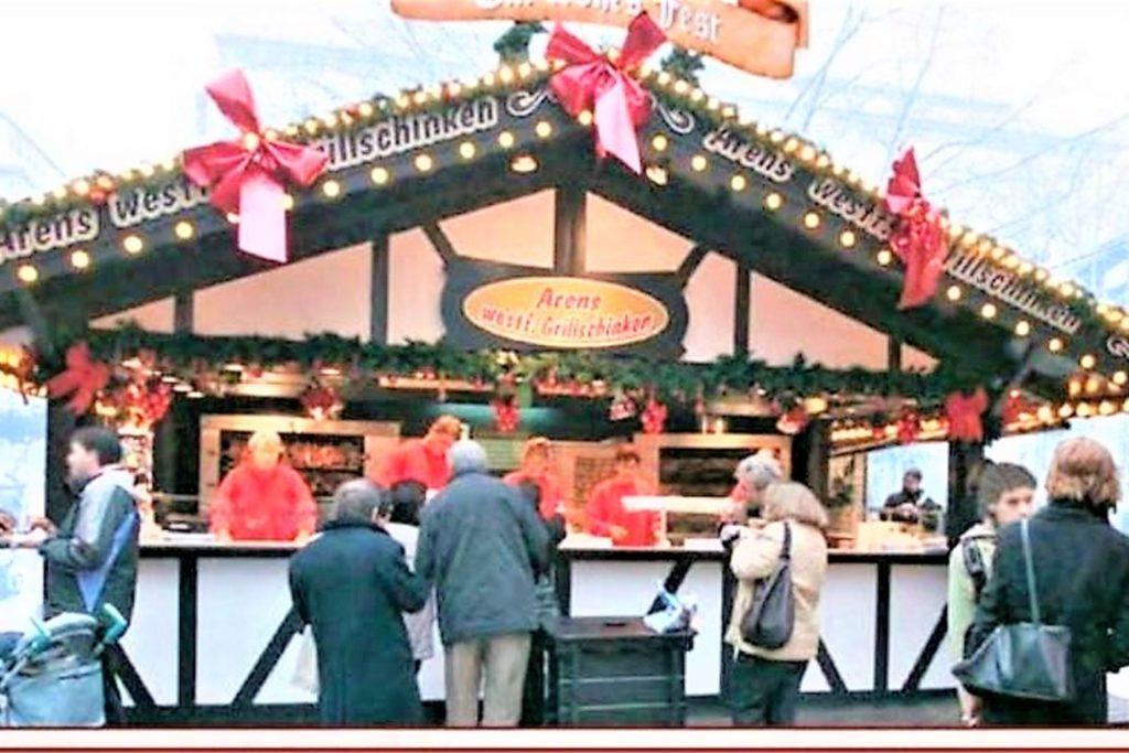 Ein Bild aus besseren Zeiten: der stets dicht umlagerte Grillschinkenwagen auf dem Weihnachtsmarkt.